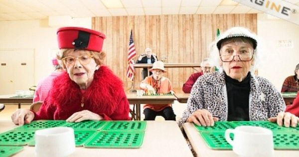 old-ladies-playing-bingo